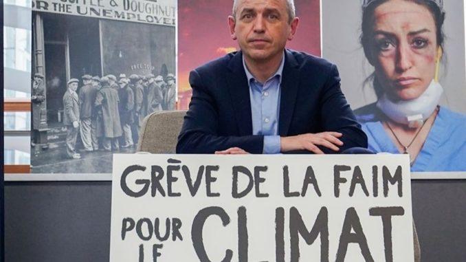 L'eurodéputé français Pierre Larrouturou, fondateur du parti Nouvelle Donne, mène une grève de la faim pour le climat depuis le 28 octobre 2020.